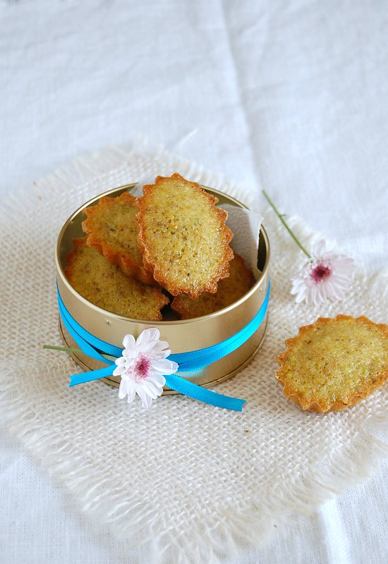 Orange and pistachio financiers / Financiers de pistache e laranja