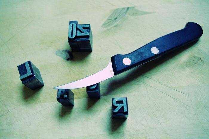 comment choisir un couteau de cuisine le kitchen bloggen. Black Bedroom Furniture Sets. Home Design Ideas