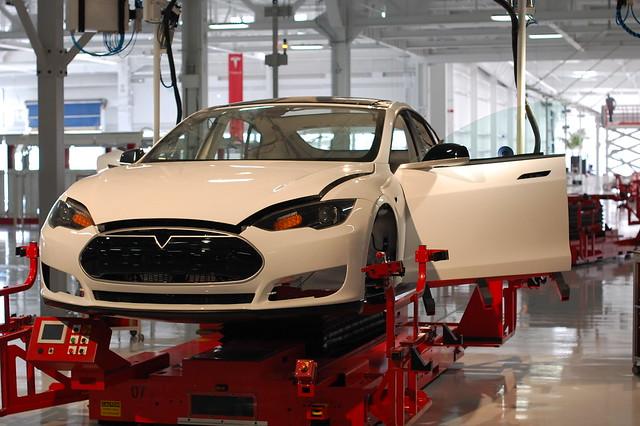 終極揭密:Tesla 電池組真身終於亮相啦!