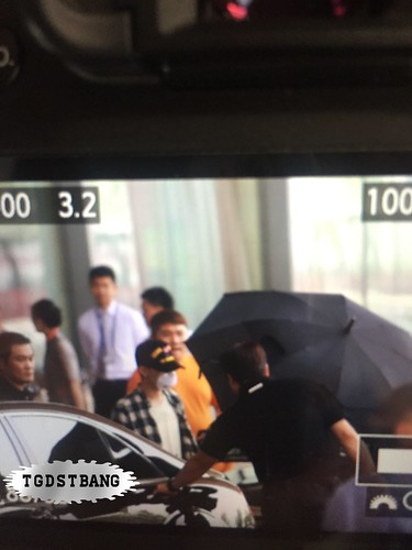 Big Bang - Beijing Airport - 05jun2015 - G-Dragon - TGDSTbang - 01