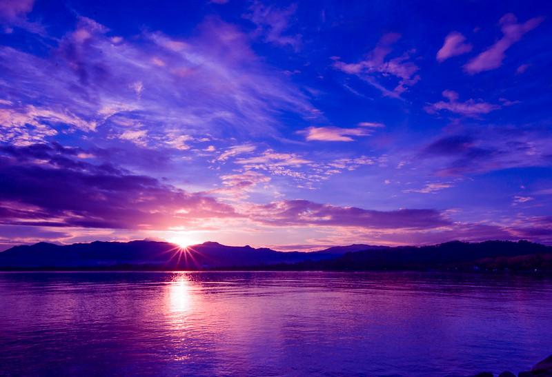 Gambar Matahari Terbit  Di Teluk Likas, Sabah