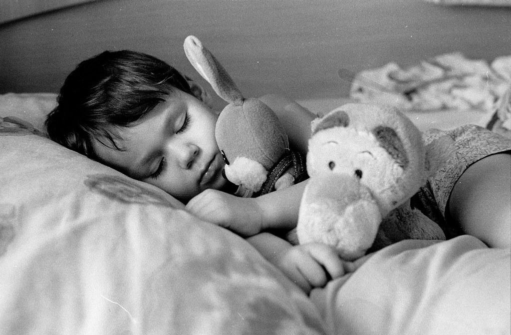 Спят усталые Илюшки)