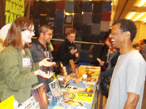 101_5544 Phil LaMarr talking to Carolyn Belefski