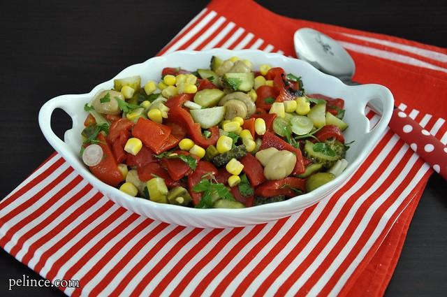 Kırmızı Biberli Salata