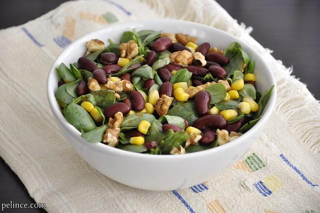 Meksika Fasulyeli Semizotu Salatası