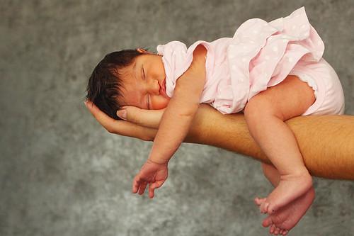 baby canon sleep romania newborn canonef2470mmf28lusm laziness canoneos50d canon50d bragadiru ilfov