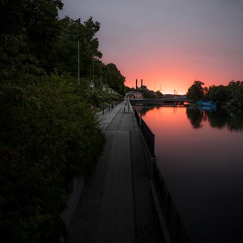 beautiful city colors dawn light river sky sunrise water