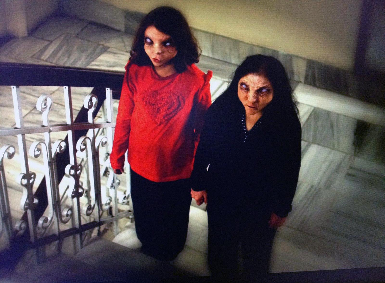El Cin Filminin Deneme Gösteriminde Salondan Kaçtılar