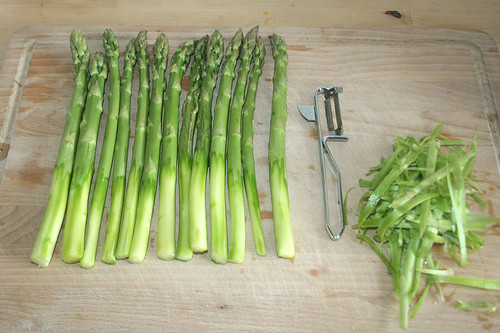 11 - Spargel schälen / Peel asparagus