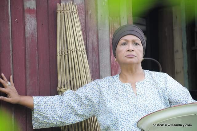 Fauziah Nawi...antara watak utama dalam Alamak Bakar