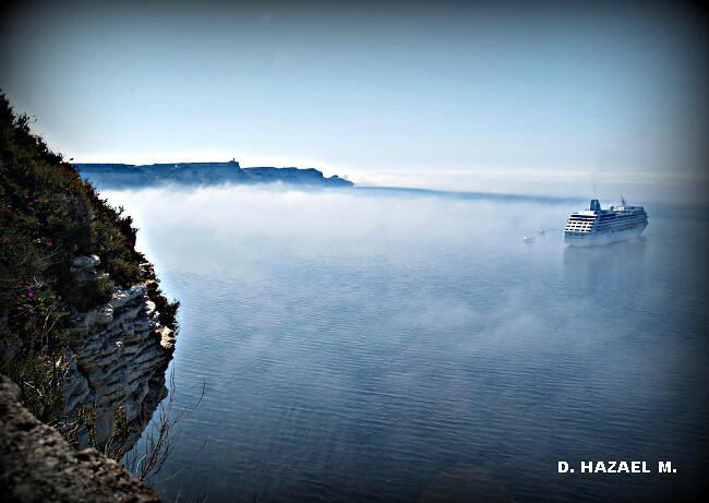 brume sur la Méditerranée à Bonifacio par la chaleur du 1er mai 2005 météopassion