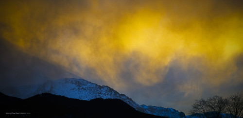 sunset cloud mountain snow mountains clouds colorado sunsets snowing snowfall cloudscape pikespeak mountainrange