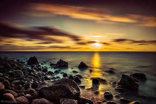 sunset beach iceland rocks shore steinar strönd fjara longexp weldingglass sólsetur álftanes hphson sonyslta99 átíma rafsuðufilter