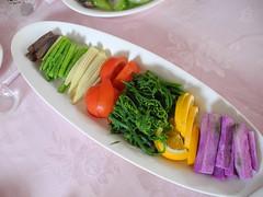 曲溪為農業社區,盛產各式蔬果,協會以此發展多項風味料理。