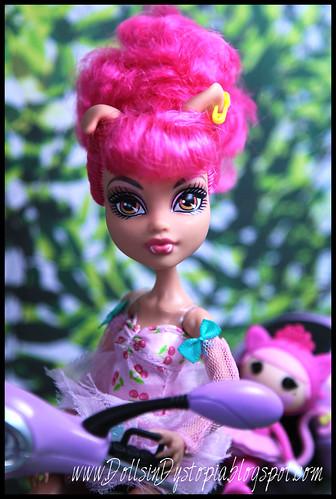 Howleen Close Up by DollsinDystopia