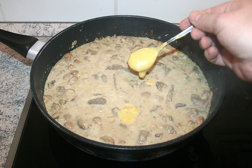 35 - Mit Senf würzen / Taste with mustard