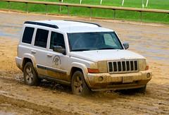 201608-21 (30) r9 Laurel Park vet transport in the mud