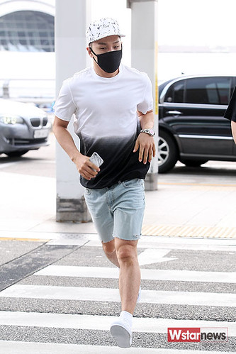 BIGBANG Incheon Airport to Shanghai Press 2015-06-19 065