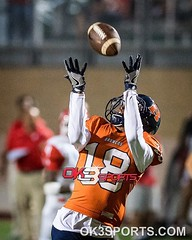 Brandeis' Cortez Terrell (18) catches a long pass against Taft at Farris Stadium on Friday, September 30, 2016. It was the homecoming game for Brandeis. Broncos defeated Raiders 52-17. #ok3sports #txhsfb #nikonphotography #sportsphotography