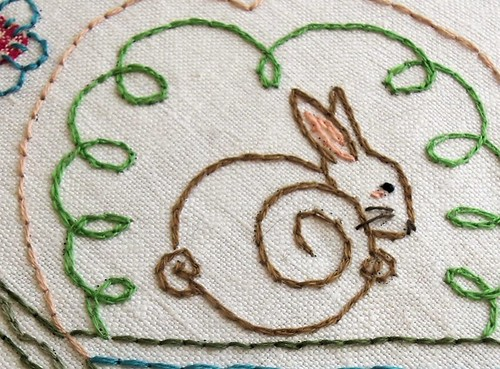 Curlywurly Cottontail detail