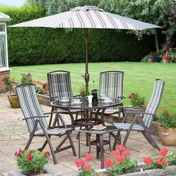 Muebles de jard n y exterior para disfrutar del aire for Comedor de jardin con sombrilla
