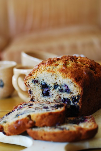 Banana bread with blueberries, banana bread recipe, greek yogurt recipes, berries, berry recipes