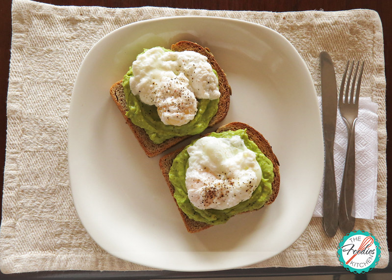 Toast with Poached Eggs & Avocado