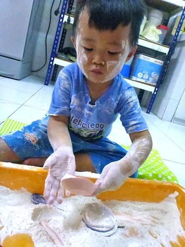 flour play