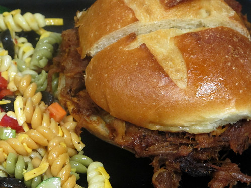 Pulled pork & pasta by Coyoty