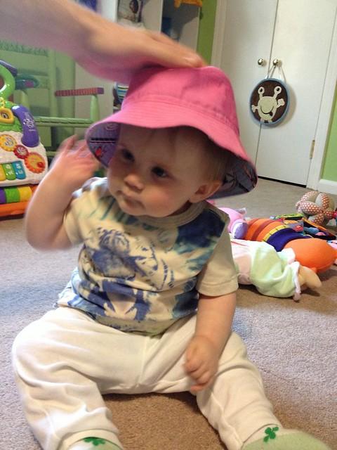 bucket hat - pink side