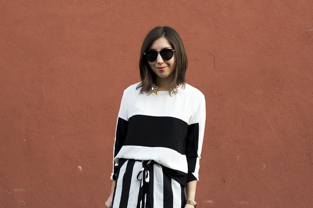 stripes, zara basic messenger, paper bag clutch, rolled clutch, mallory watkins, readytwowear, bay area fashion blog