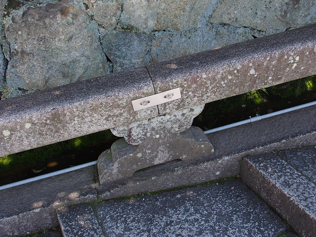 清水寺的石製階梯扶手