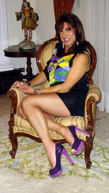 More with the Mini-dress -  Más con el mini-vestido