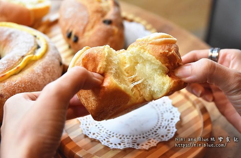 歐客佬咖啡麵包甜點太原路38