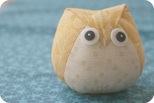 my owl pincushion.