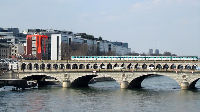 Metro, line 6