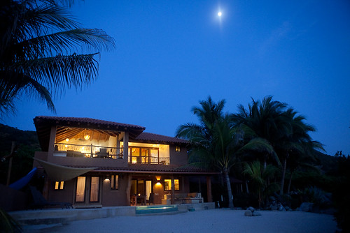Casa Oasis Troncones by night
