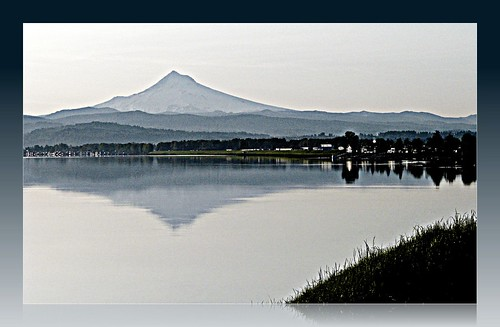 reflection oregon portland solitude 6ws columbiariver mthood ribbet 100possibilities clichesaturday 113in2013 neari205bridge