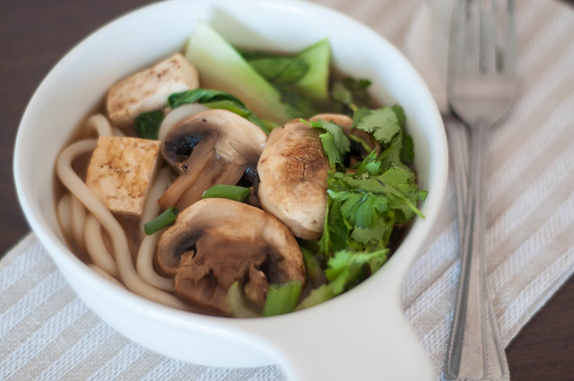 udon noodles with tofu and mushrooms