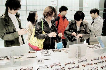 130430(2) – 電影製片大廠「東寶」跨足動畫第3彈、今年10月播出全球三大眼鏡產地『鯖江市』專屬動畫!