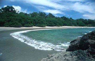 manuel-antonio-beach