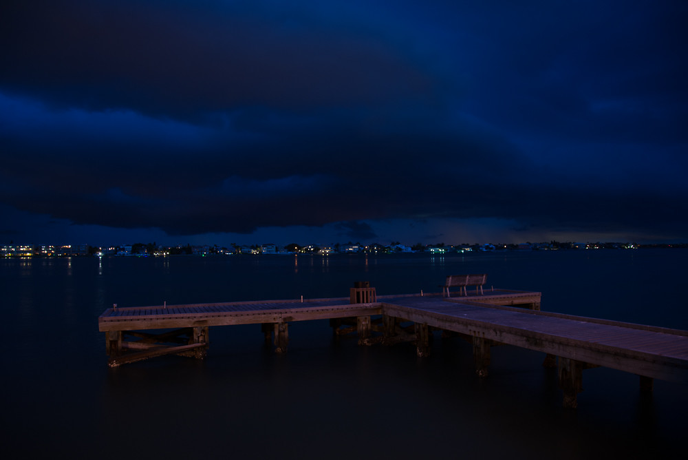 Storms rolling up #TampaBay over Tierra Verde from Pass-A-Grille on #StPete Beach, 4