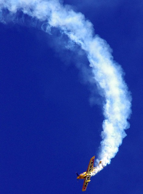 """Loop the Loop"" Matt Hall Racing - Wings Over Illawarra airshow"