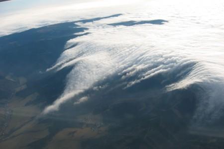 Tlak a vítr na horách - závětrné a návětrné efekty
