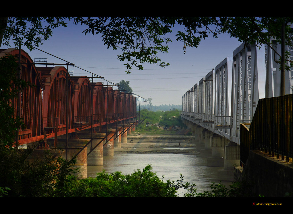 "Old & New Spans Of ""Garhmukteshwar Bridge"""