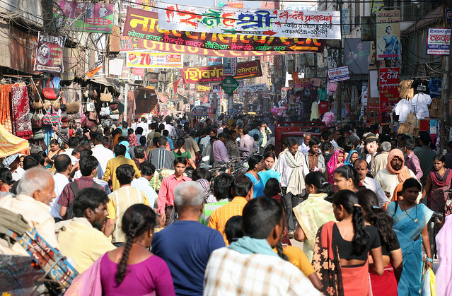 CROWDED INDIA