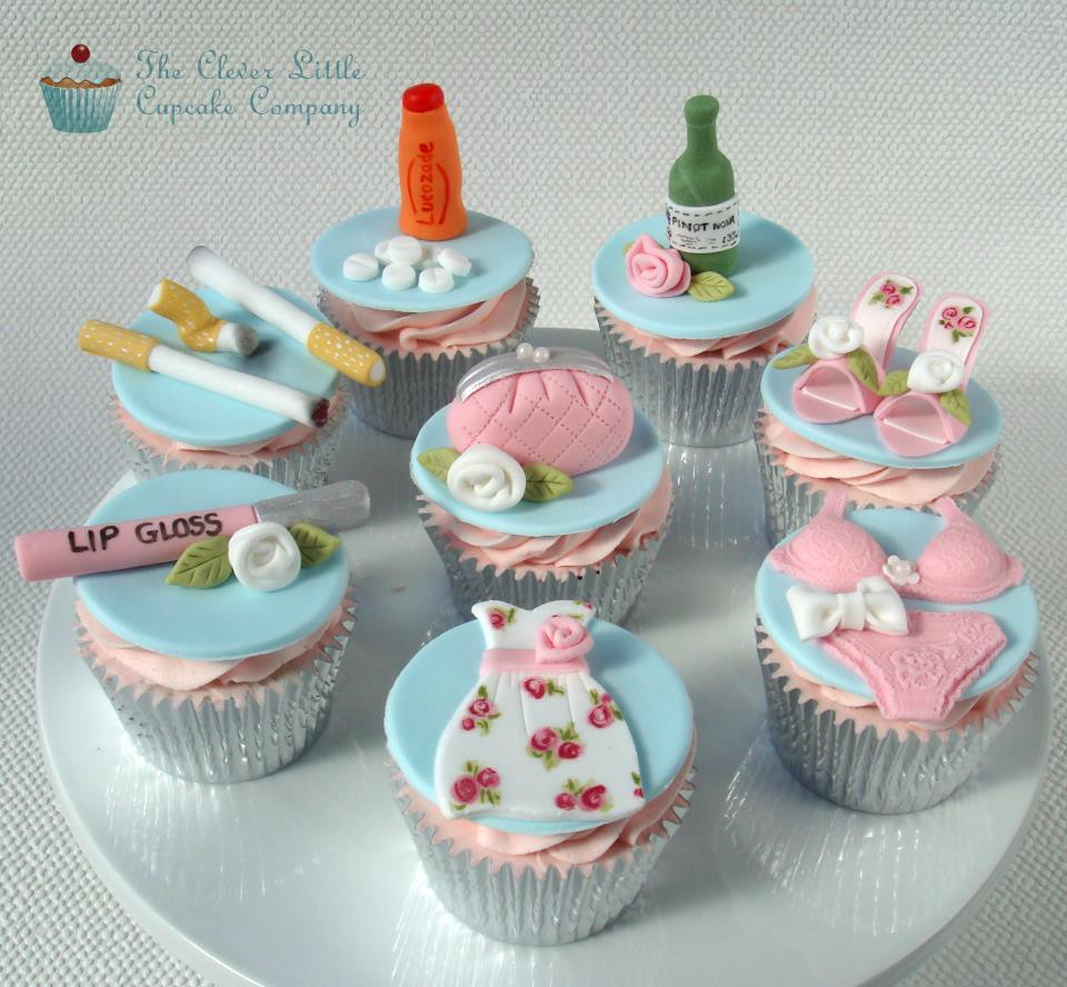 Sparkle Cupcakes: Cigarettes and lip gloss cupcakes