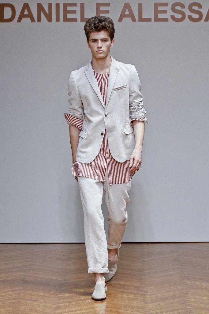 Taylor Cowan3027_4_SS13 Milan Daniele Alessandrini(fashionising.com)