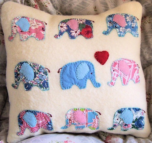 Elephants in Love Applique