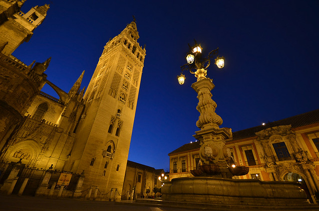 Hora mágica en Sevilla, la Giralda